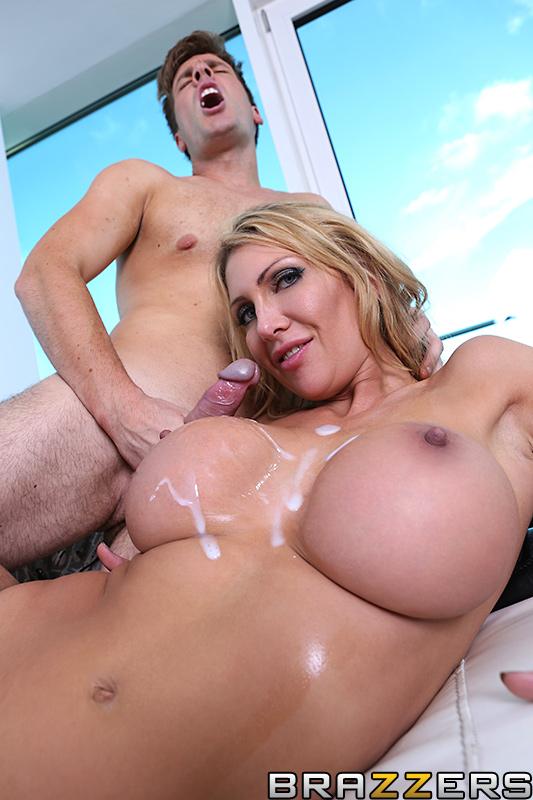 Big tit babe jada fire getting her pussy pleasured 7