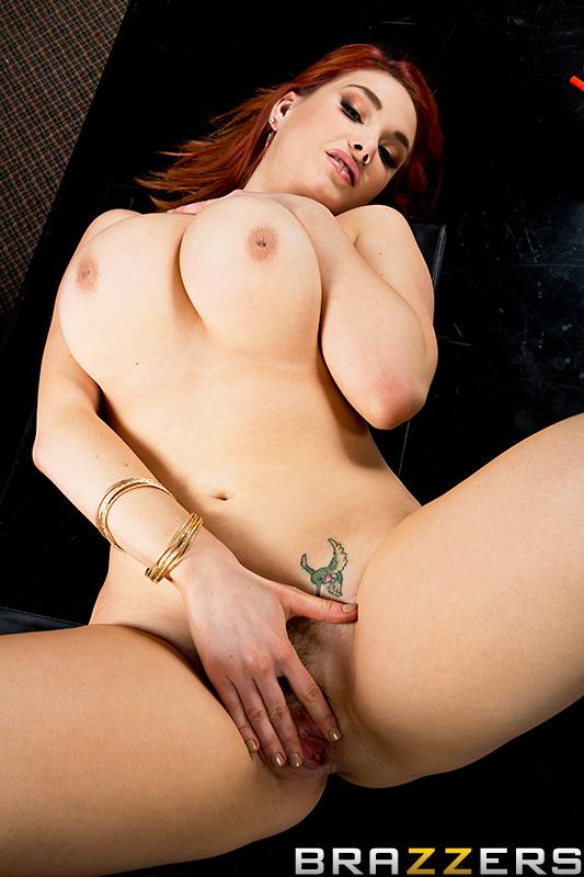 Latina nude beauties