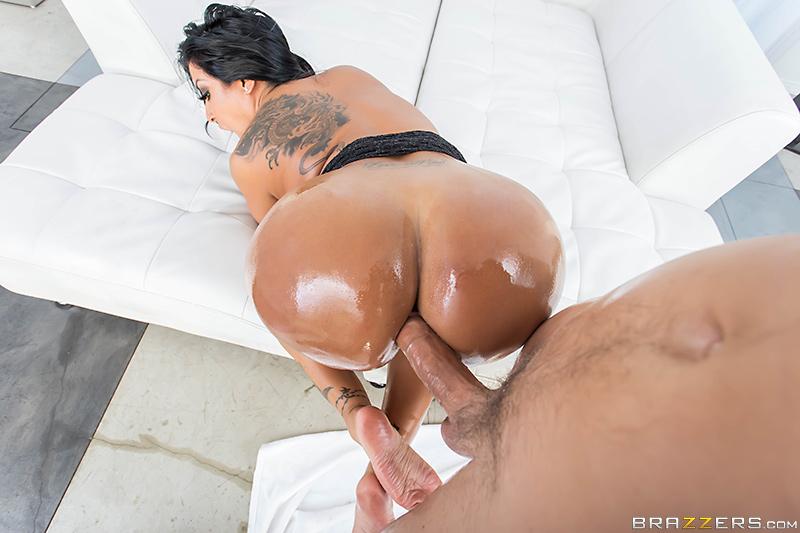 ass lick kiara mia escort