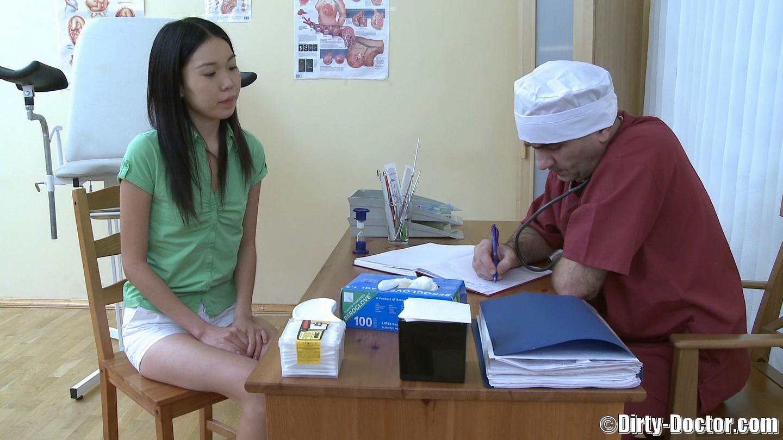 Смотреть онлайн у японского врача на осмотре 23 фотография