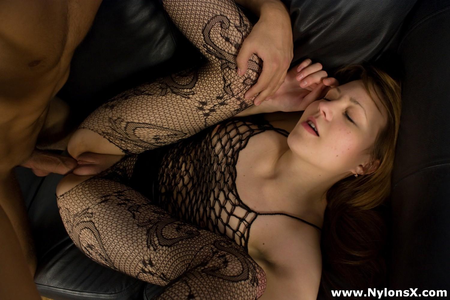 Секс нейлон онлайн 14 фотография