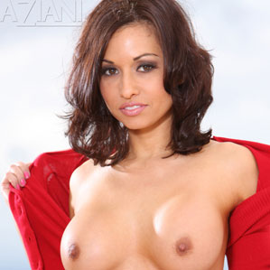 Lana Lopez gets naked and spreads pussy
