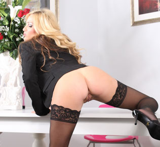 Tyler Faith shows just how naughty secretaries can be and masturbates with her vibrator!