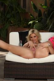 Sarah Vandella spreads her ass checks!