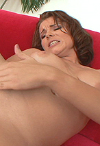Amanda Blue Abuses Her Tiny Twat Stretching It Out With Huge Dildo